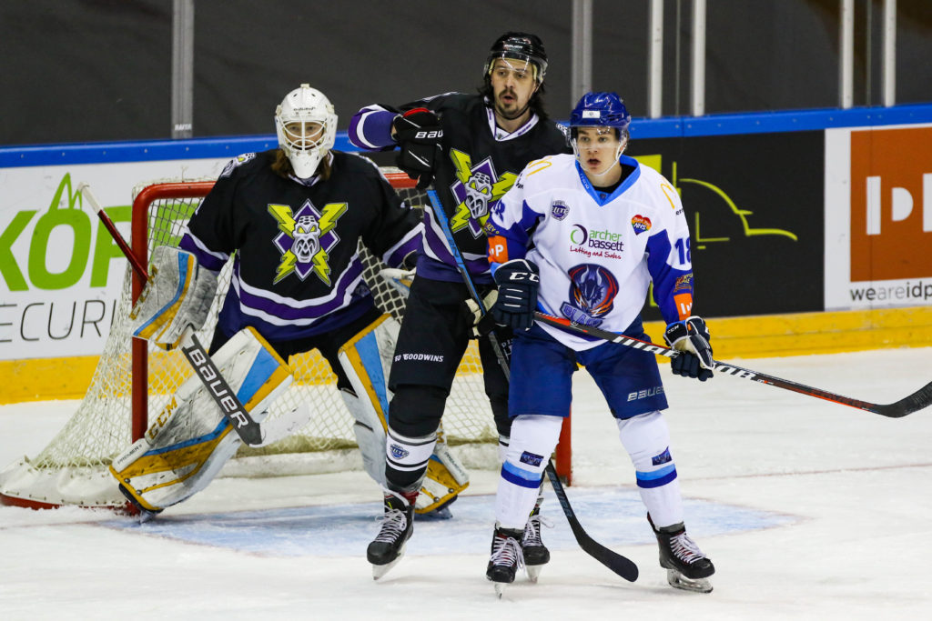 Manchester Storm defend against Coventry Blaze in Elite Series